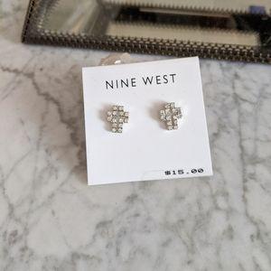 🟢Nine West diamond silver colored cross earrings